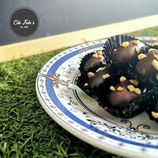 London Chocolate Almond - Cik Fah's